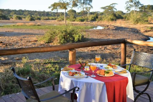 Elephant Valley Lodge, Lesoma