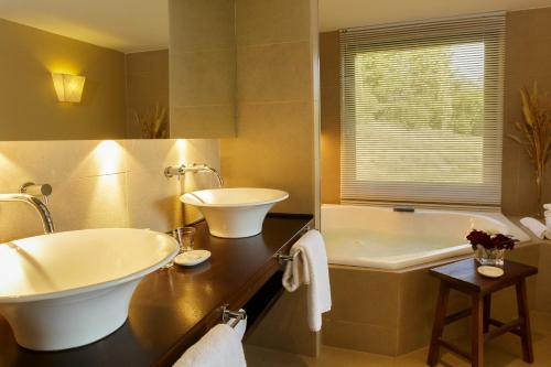 Loi Suites Chapelco Hotel Photo