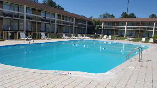 Days Inn Southern Pines Photo
