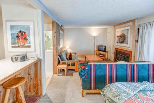 Hidden Valley #027 - Studio Condo - Mammoth Lakes, CA 93546