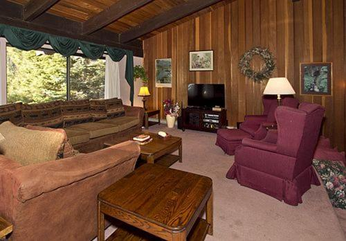 Mammoth West #134 - Four Bedroom Condo - Mammoth Lakes, CA 93546
