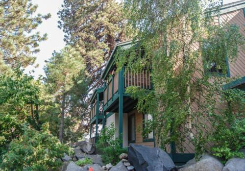 Sherwin Villas #67 - Two Bedroom Loft Condo - Mammoth Lakes, CA 93546