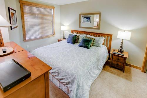 Sunstone #131 - Two Bedroom Condo - Mammoth Lakes, CA 93546