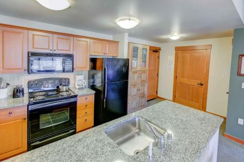 Village #1408 - Grand Sierra - One Bedroom Condo - Mammoth Lakes, CA 93546