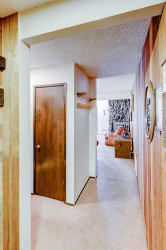 Sherwin Villas #52 - One Bedroom Condo - Mammoth Lakes, CA 93546