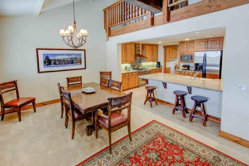 The Lodges #1114 - Two Bedroom Loft Condo - Mammoth Lakes, CA 93546