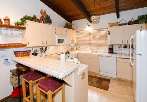 Mammoth West #113 - Two Bedroom Condo - Mammoth Lakes, CA 93546