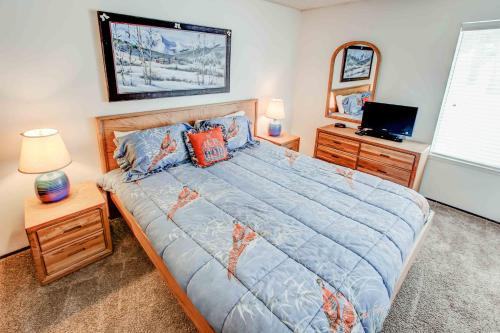St. Anton #53 - One Bedroom Condo - Mammoth Lakes, CA 93546