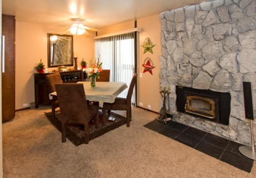 Horizons 4 #183 - Two Bedroom Condo - Mammoth Lakes, CA 93546