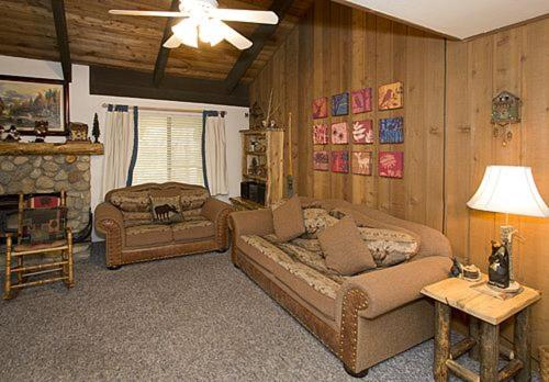 Sunshine Village #120 - One Bedroom Loft Condo - Mammoth Lakes, CA 93546