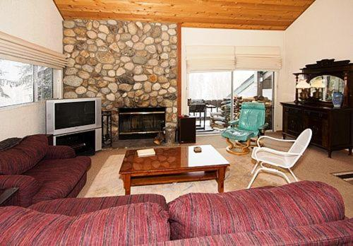 Snowcreek #630 (Phase 4) - Two Bedroom Loft Condo - Mammoth Lakes, CA 93546