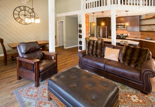Sherwin Villas #14 - Three Bedroom Loft Condo - Mammoth Lakes, CA 93546