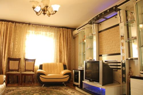 Hotel Apartment at Abdirova 19