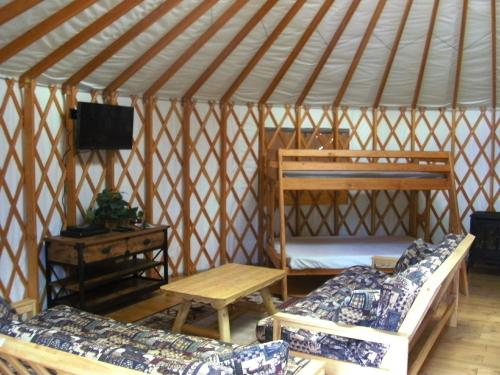 Bend-Sunriver Camping Resort 24 ft. Yurt 16 Photo