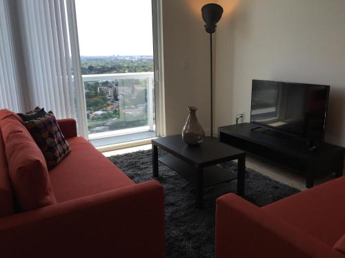 Luxury Apartments in River Oaks Photo