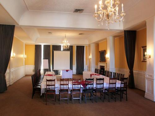 Durban Manor Hotel and Conference Centre Photo