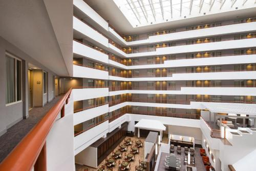 Embassy Suites Baltimore - at BWI Airport Photo