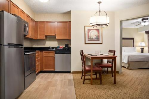 Homewood Suites by Hilton Dallas-Park Central Area photo 4