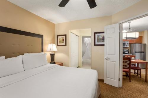 Homewood Suites by Hilton Dallas-Park Central Area photo 5