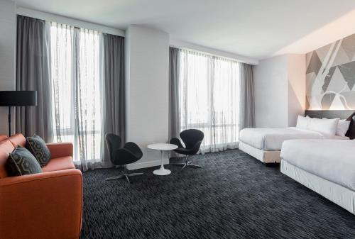 Courtyard by Marriott Long Island City/New York Manhattan View Photo