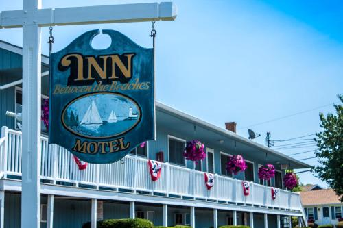 Inn Between the Beaches & Villager Photo