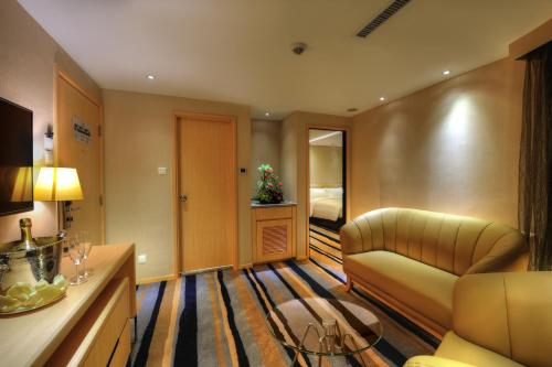 All New Suite with Free Soft Drinks & Extra Bed