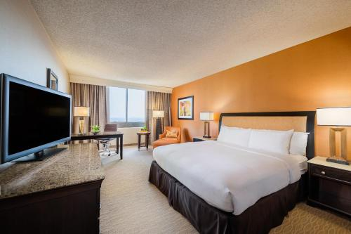 DoubleTree by Hilton Anaheim/Orange County Photo