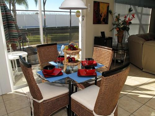 Villa 8008 King Palm Windsor Palms Photo
