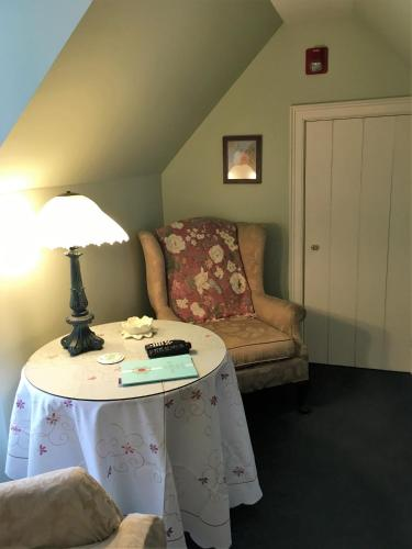 Parsonage Inn Bed and Breakfast Photo