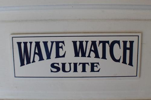 Wave Watch Cottage Apartment Photo