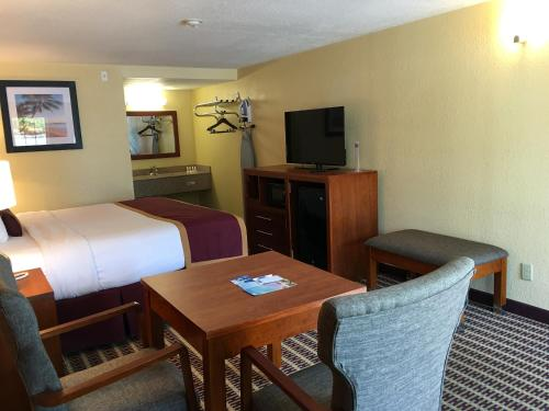 Travelodge West Yarmouth Photo
