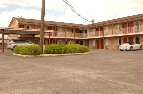 Red Carpet Inn Anniston Oxford Photo