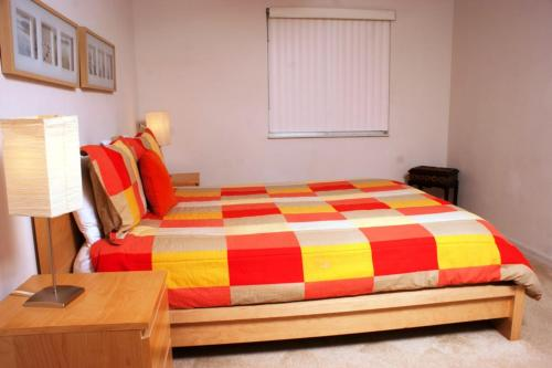 Ruby Red Five-Bedroom House Photo
