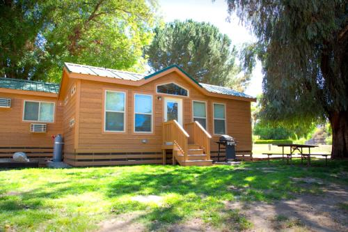 Soledad Canyon Cottage 5 Photo