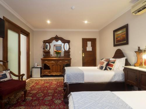 Madison Manor Boutique Hotel Photo