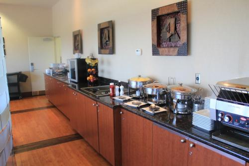 Best Western Plus Orangeville Inn & Suites Photo