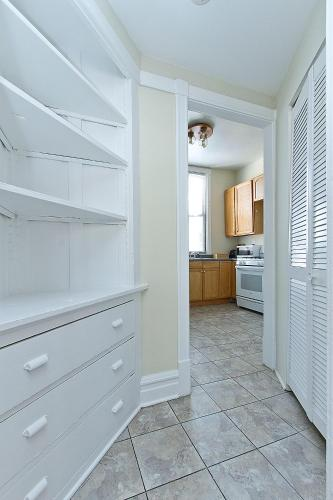 Two-Bedroom on Lincoln Avenue Photo