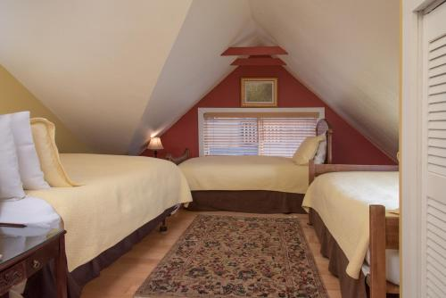 Tucker House Inn - Friday Harbor, WA 98250