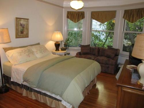 Villa Nob Hill Guest Apartments Photo