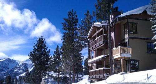 Village Treehouse #1 - Mammoth Lakes, CA 93546