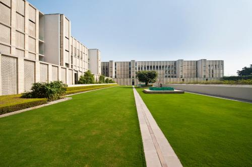 The Lodhi - 1 of 55