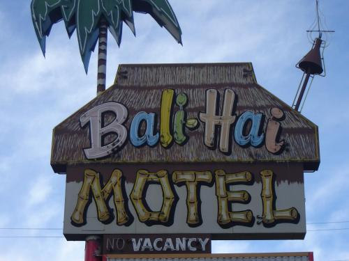 Bali Hai Motel Photo