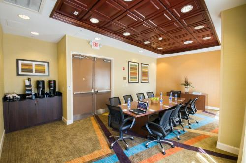 Fairfield Inn & Suites by Marriott Orlando International Drive/Convention Center photo 50