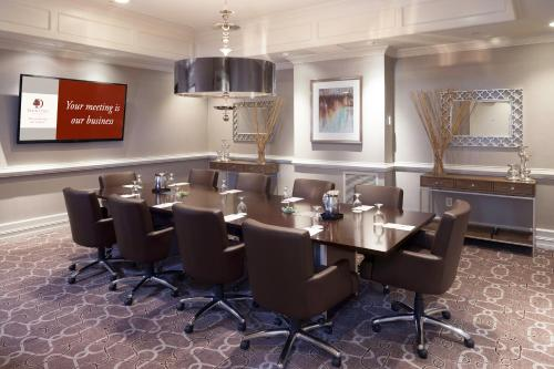 DoubleTree by Hilton Atlanta-Buckhead Photo