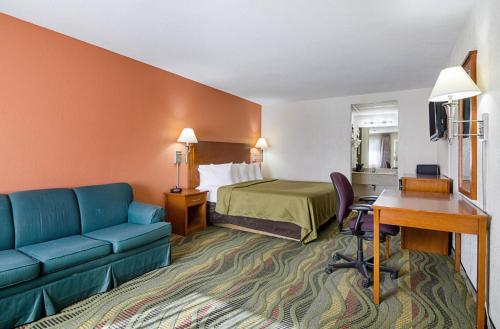 Econo Lodge McPherson Photo