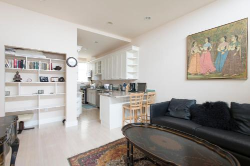 Marina/Cow Hollow Flat with Golden Gate Views Photo