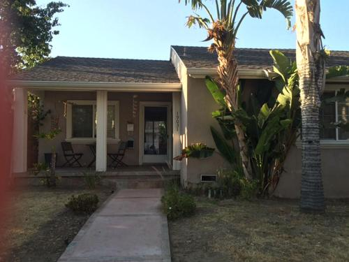 2bd 2bath in Tarzana