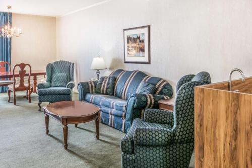 Howard Johnson Hotel - Milford/New Haven - Milford, CT 06460
