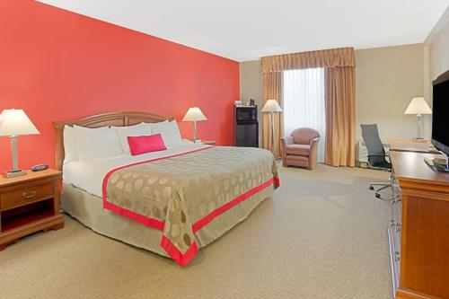 Ramada Waukegan Gurnee Photo