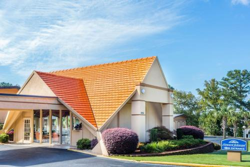 Howard Johnson Inn Athens - Athens, GA 30606